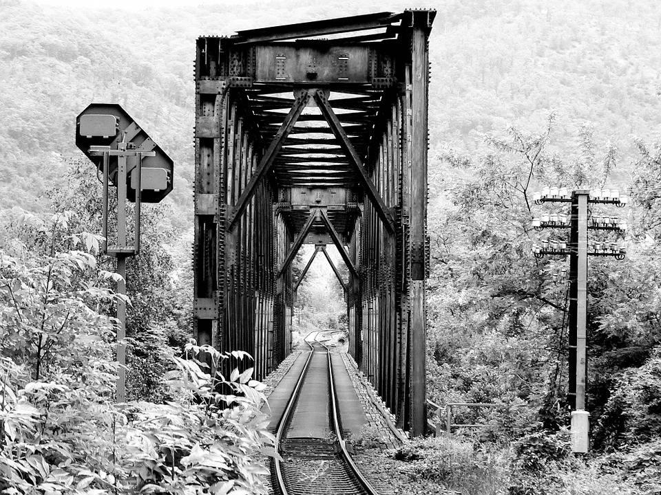 Noir Et Blanc, Pont De Chemin De Fer, Chemin De Fer