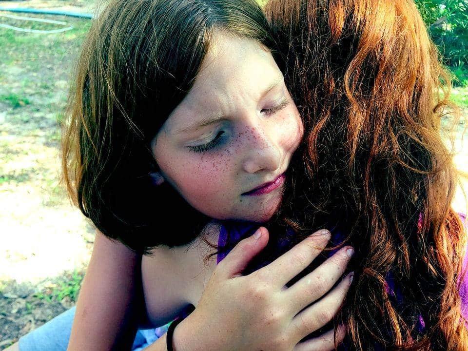 Hug, Tristesse, Confort, Chagrin, Triste, Famille