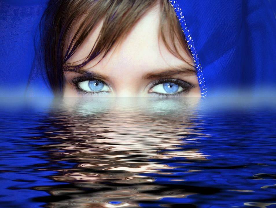 SOYEZ FIER DE VOUS Dans votre cheminement vers vous-même, lorsque vous découvrez la profondeur de votre être et la multiplicité de vos visages, vous éprouvez par moment le découragement.