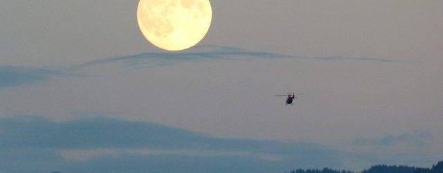 En tant qu'être humain, nous sommes souvent fascinés par l'astre lunaire. Il est loin mais proche à la fois.