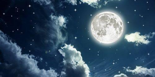 pleine lune qui se lève dans le Sagittaire
